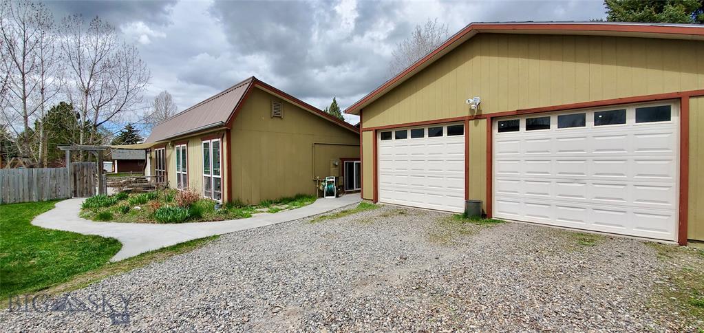 697 W Southview Avenue Property Photo