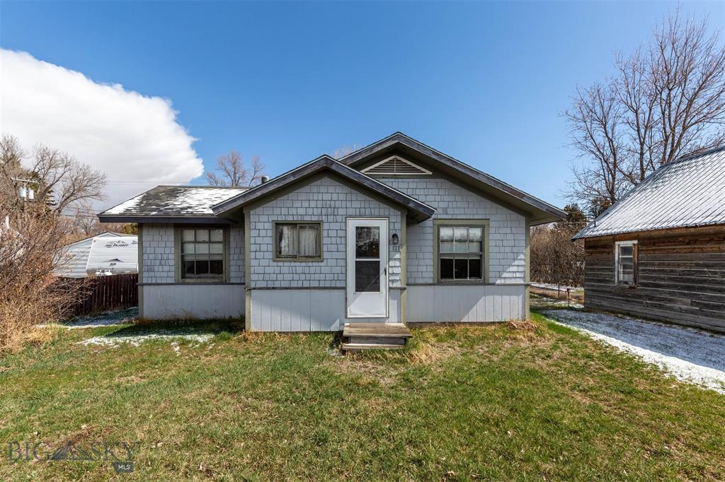 117 E Railroad Avenue N Property Photo 1