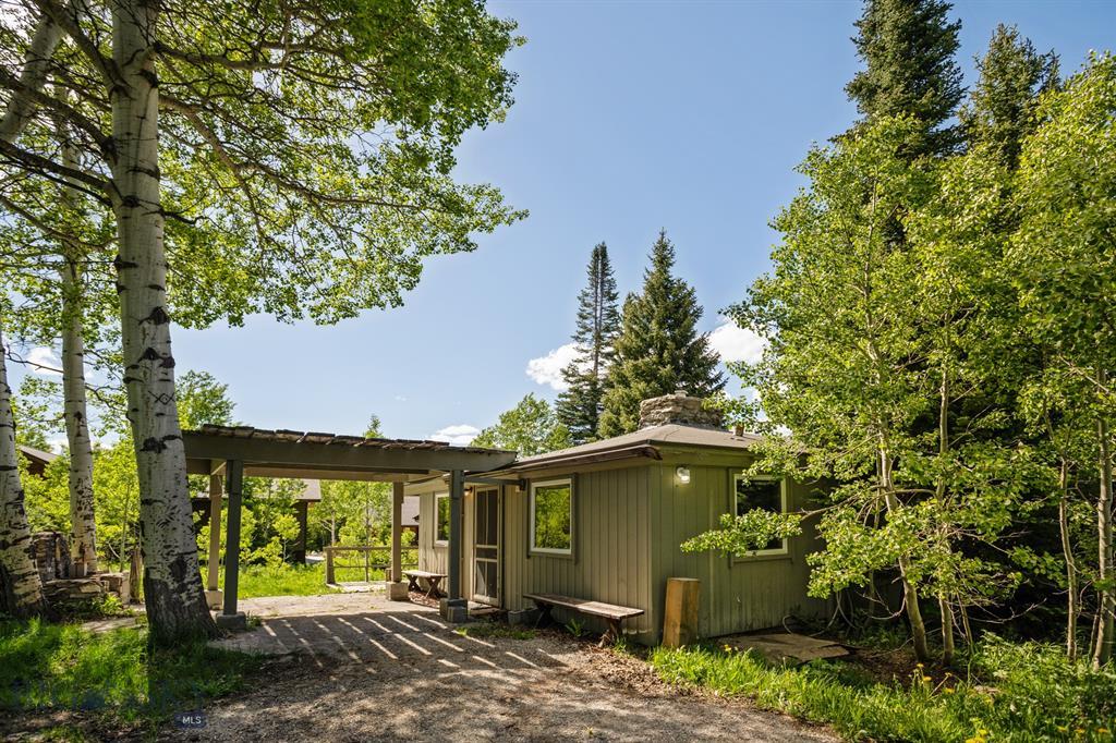 195 Black Moose Road Property Photo 1