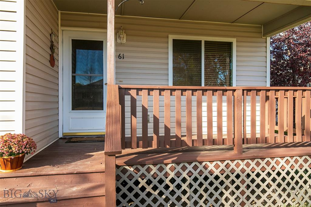 61 W Magnolia Drive Property Photo 1