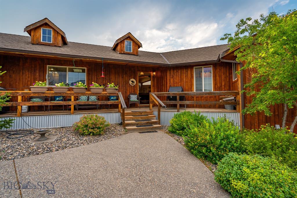 76 W Pine Creek Road Property Photo 1