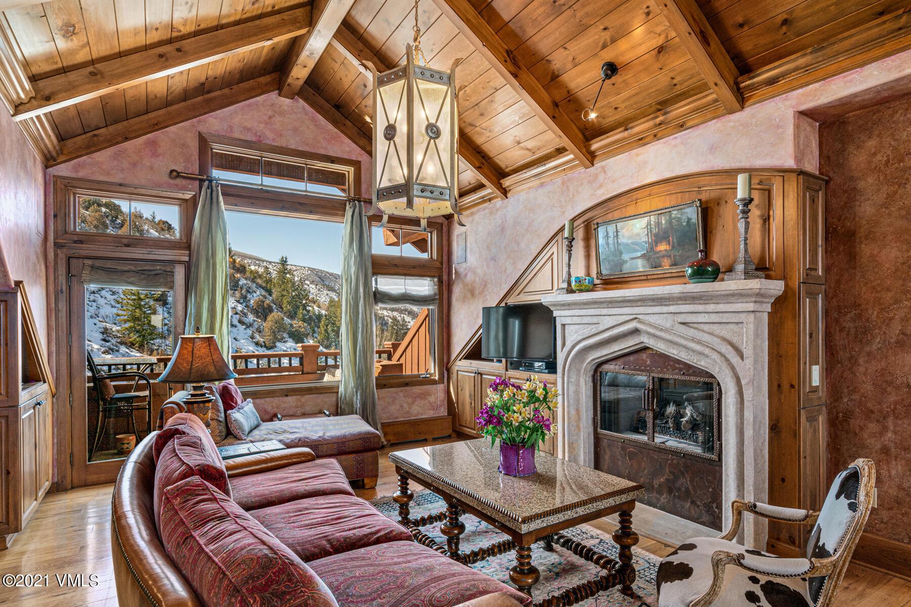 160 Cresta Property Photo 1