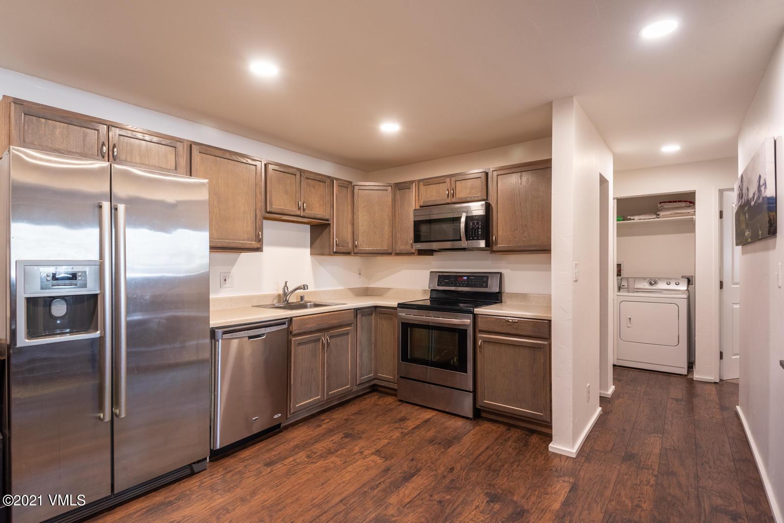 1061 W Beaver Creek Boulevard Property Photo