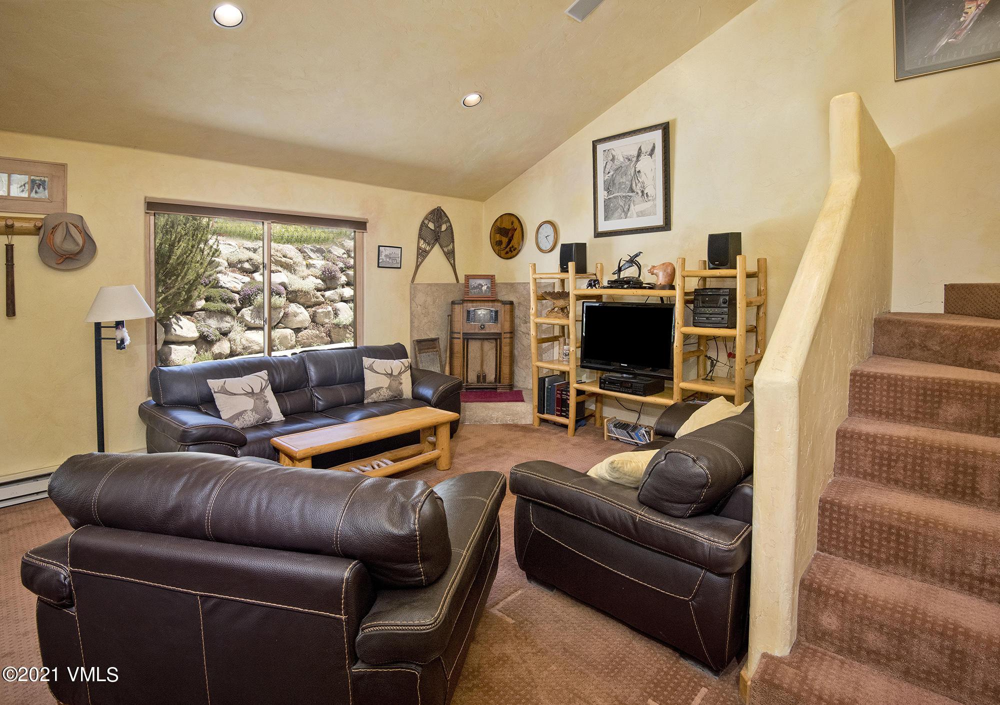 596 Daisy Lane Property Photo 1