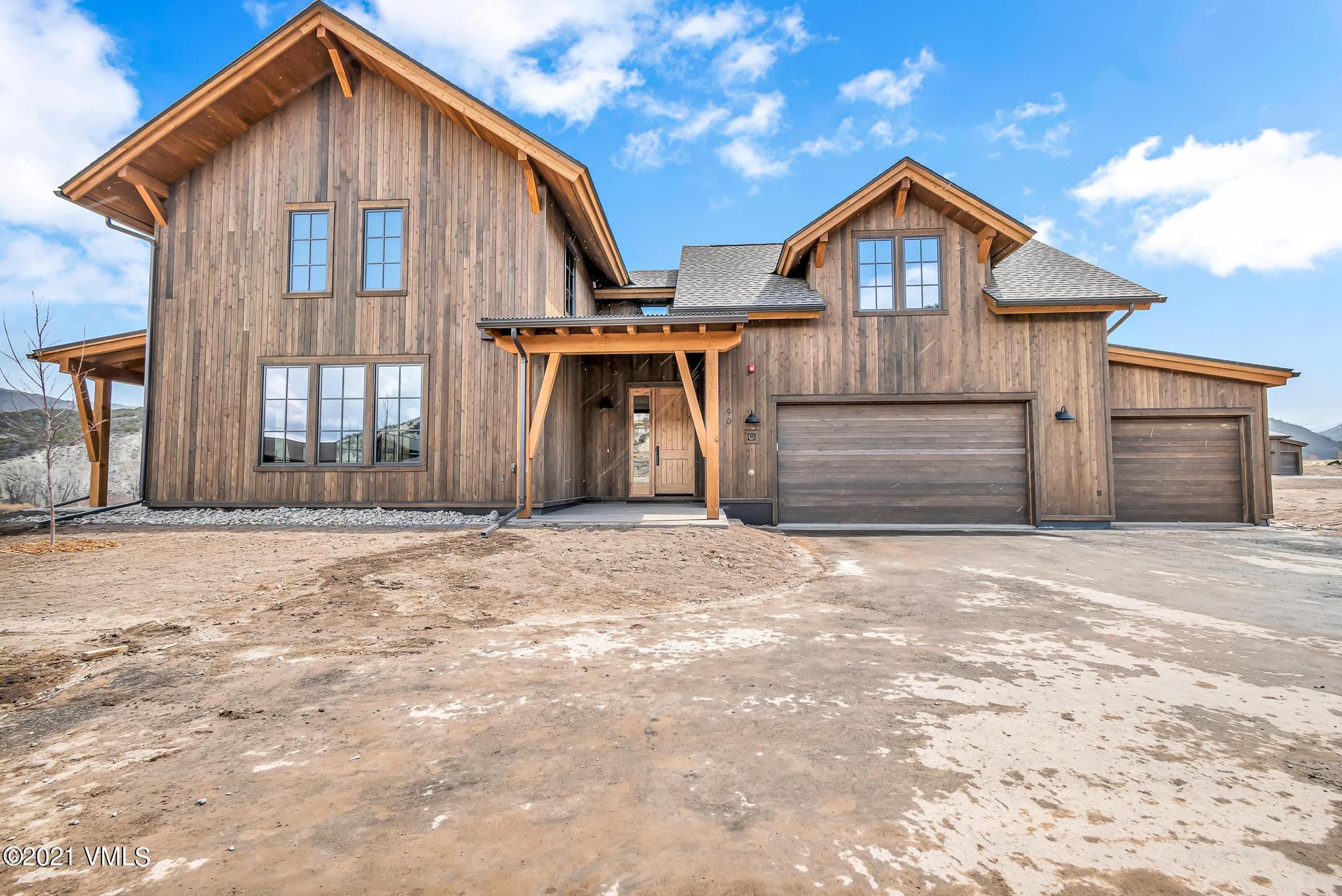 580 Hunters View Lane Property Photo 1