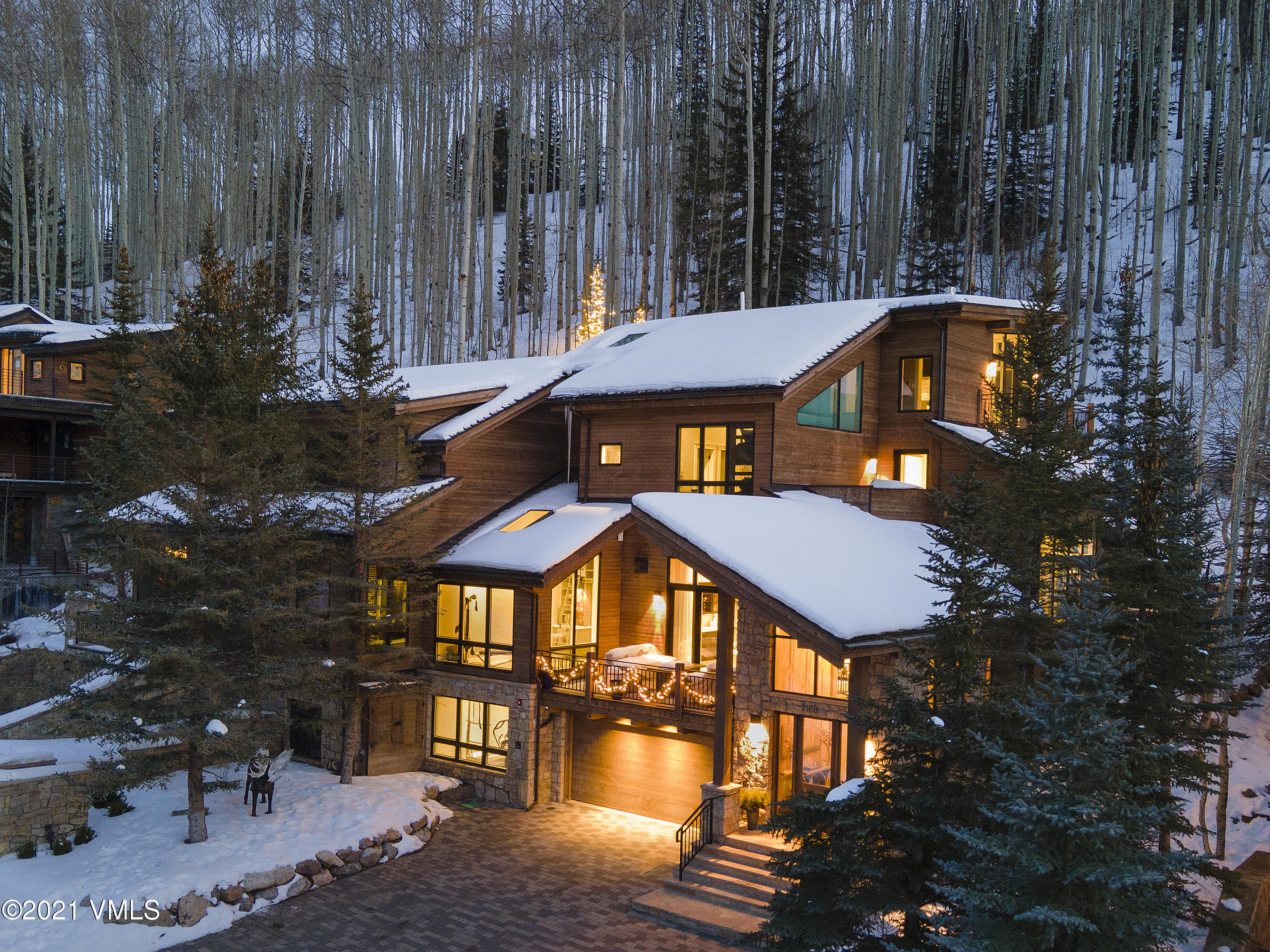 716 Forest Rd Road, B, Vail, Co 81657 Property Photo
