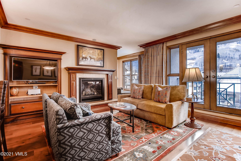 100 E Thomas Place Property Photo