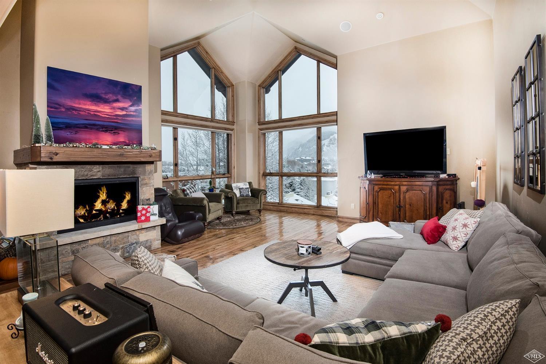 540 W Beaver Creek Boulevard Property Photo