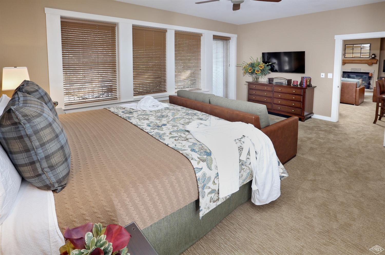 63-wk51&52 Avondale Lane Property Photo 1